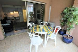 location-location-appartement-28-m2-1-pieces-studio-meuble-avec-terrasse